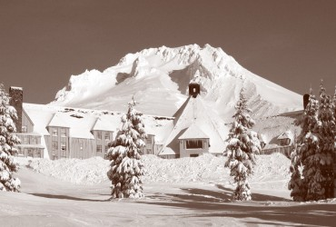 A Short History of Timberline Lodge